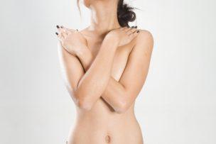 気になる脇の臭いを改善する方法